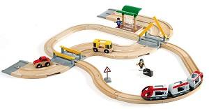 Детски влак с релси, автобус и автомобил - Дървена играчка с аксесоари -