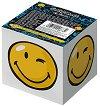 """Бяло хартиено кубче - Happy - Със 700 квадратни бели листчета с размер 7.9 x 7.9 cm от серия """"SmileyWorld"""""""