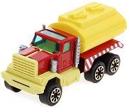 Камион с цистерна -