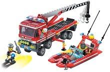 """Камион с противопожарен катер  - Конструктор от серията """"Fire Rescue"""" -"""