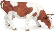 """Пасяща крава - Фигура от серията """"Животните във фермата"""" - играчка"""
