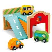 Мини гараж с три колички - Детска дървена играчка - детски аксесоар