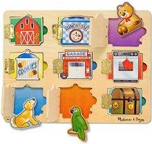 Познай какво се крие зад вратичките - Детска дървена играчка с магнити - играчка