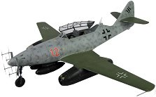 Военен самолет - Messerschmitt Me-262 B-1a /U1  - Сглобяем авиомодел -