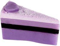 Bomb Cosmetics Berrylicious Soap Cake - Ръчно изработен сапун с масло от жасмин и градински чай -