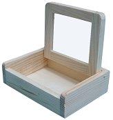 Дървена кутийка с огледало