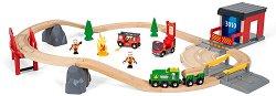 """Влакче и пожарна кола - Дървена играчка с аксесоари от серията """"Brio: Комплекти с релси"""" -"""