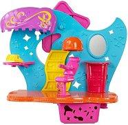 """Фризьорски салон с фигурка на Поли - Комплект за игра от серията """"Polly Pocket"""" - играчка"""