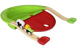 """Моето първо влакче с магнит - Дървена играчка с аксесоари от серията """"Brio: Комплекти с релси"""" -"""