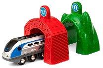 """Умен локомотив с тунели - Играчка със светлинен и звуков ефект от серията """"Brio: Вагончета"""" - чанта"""
