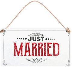 Табелка - поздравителна картичка Just Married -