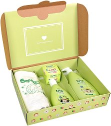 Комплект Бочко - От първия ден - Бебешки шампоан, мляко за тяло, крем при подсичане и пелена - гел