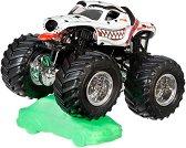 """Бъги - Monster Mutt Dalmatian - Комплект за игра от серията """"Hot Wheels: Monster Jam"""" -"""