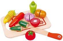 Зеленчуци - Дървен комплект с дъска и ножче за рязане - играчка