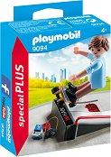 """Скейтбордист с рампа - Детски конструктор от серията """"Playmobil: Special Plus"""" - играчка"""