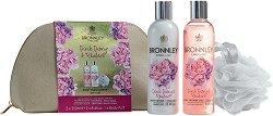 """Подаръчен комплект с несесер - Bronnley Pink Peony & Rhubarb - Душ гел, лосион за тяло и гъба за баня от серията """"Pink Peony & Rhubarb"""" -"""