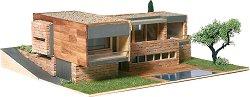 Къща - Детски сглобяем модел от истински тухлички - макет