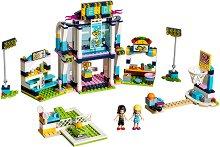 """Спортен център - Детски конструктор от серията """"LEGO: Friends"""" -"""