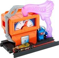 """Изстрелвачка - Downtown Speedy Fuel Stop - Комплект с количка от серията """"Hot Wheels: City"""" - играчка"""