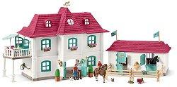 """Къща с конюшня - Комплект фигури и аксесоари от серията """"Клуб по езда"""" -"""