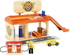 Автосервиз с бензиностанция и автомивка - Детски дървен комплект с количка, фигурка и аксесоари - играчка