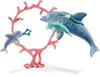"""Делфин с малките си - Комплект фигури от серията """"Илорис"""" -"""