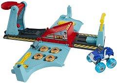 """Гаражът на Крашър - Комплект за игра с количка и изстрелвачка от серията """"Пламъчко и машините"""" - играчка"""