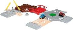 """Състезателни коли - Дървена играчка от серията """"Brio: Комплекти с релси"""" -"""