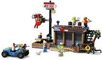 """Нападение в ресторанта - Детски конструктор от серията """"LEGO: Hidden Side"""" - играчка"""
