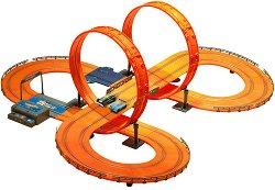 """Писта за игра - 683 cm - Комплект с 2 колички от серията """"Kidztech - Hot Wheels"""" -"""