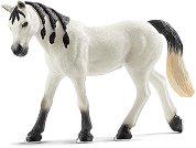 Арабска бяла кобила -