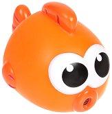 """Рибка - Пръскаща играчка за баня от серията """"Baby Shark"""" - продукт"""