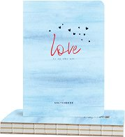 """Скицник за рисуване - Сърца в небето - С размери 14.5 x 21 cm от серията """"Love is in the air"""""""