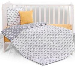 Бебешки спален комплект от 4 части - Grey Clouds - 100% хасе за матраци с размери 60 x 120 cm и 70 x 140 cm -