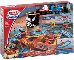 Влакчето Томас и приятели - Пиратски приключения - Комплект с писта за игра -
