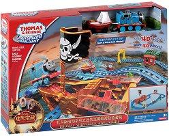 Влакчето Томас и приятели - Пиратски приключения - Комплект с писта за игра - играчка