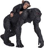 Шимпанзе с малкото си - фигура