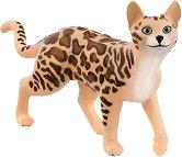 Бенгалска котка - играчка
