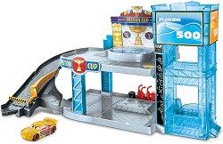 """Писта с гараж - Детски комплект за игра с количка от серията """"Колите"""" -"""