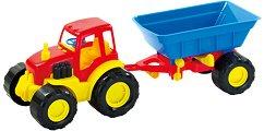 Трактор с ремарке -