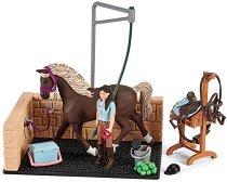 Баня за коне с Емили и Луна - фигура