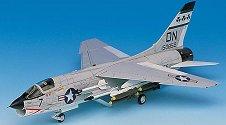 Военен самолет - F-8E Crusader - Сглобяем авиомодел -