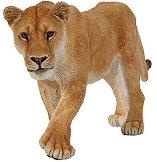 Лъвица - Фигура от серията Диви животни - играчка