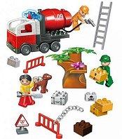 Пожарникарски камион и аксесоари - Детски конструктор с големи елементи в пластмасова кутия -