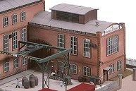 Конструкция с кран за товарене във фабрика за производство на стъкло - E. Strauss -