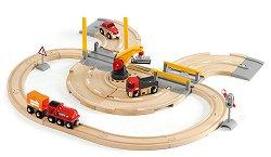 Детски товарен влак с релси и кран - Дървена играчка с аксесоари - играчка