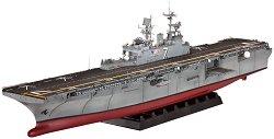 Боен кораб - Amphibious Assault Ship U.S.S. IWO JIMA (LHD-7) - Сглобяем модел -