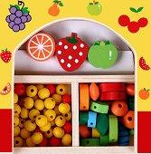 Създай сама бижута - Плодчета - Мъниста в дървена кутия - играчка
